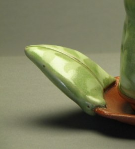Leaf handle on creamer/sugar tray
